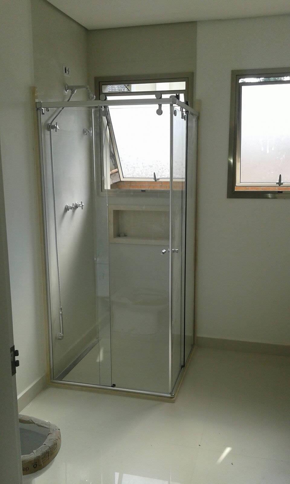 Box de Vidro em SP Box de Banheiro na Zona Oeste Box de Vidro na  #4C7F6A 1252x1244 Banheiro Container Sp